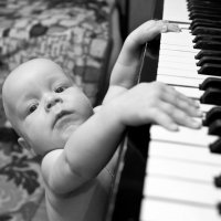 Юный пианист :: Олег Каразанов