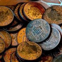 Дамы и господа! Храните ваши денььги в английской валюте! :: Владимир Бровко