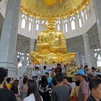 Таиланд. Корат. Внутри храма (1) :: Владимир Шибинский