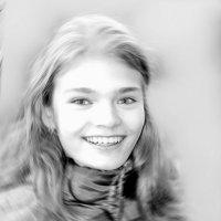 Портрет улыбающейся девочки.... :: Tatiana Markova