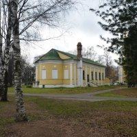 Бывший  Собор Богоявления Господня в Угличе :: Galina Leskova