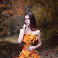 Закружилась листва золотая :: Yulia Pateyun