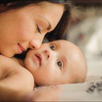Если у женщины есть мужчина, которого она любит больше жизни, то этот мужчина –  её сын :) :: Алексей Латыш