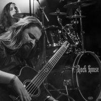 суровый басист :: Владимир Голиков