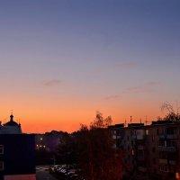 В моё окно глядит рассвет :: Юрий