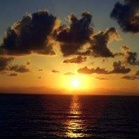 Закат над морем 1. :: Валерьян