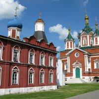 Ново-Голутвин монастырь :: Людмила Макарова