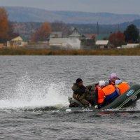 На лодке :: Владимир