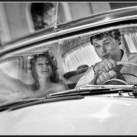 Мчимся в свадебное путешествие. :: Евгений Мезенцев