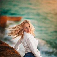 Красота – тоже добродетель, красивая женщина не может иметь недостатков :) :: Алексей Латыш