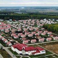 Современное поселение с высоты птичьего полёта... :: Николай Варламов