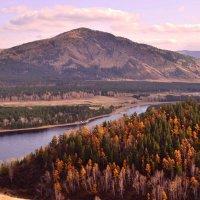 Пейзаж осени с видом на правый берег Енисея :: galina tihonova