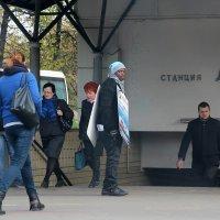 Утро, метро, Москва :: Татьяна Нижаде