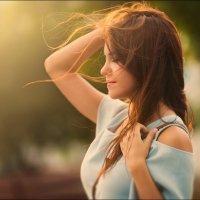 Оставаться собой в мире, где все пытаются изменить тебя, ─ наивысшее достижение :) :: Алексей Латыш