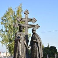Памятник князю Петру и Февронии. :: Никифорова Галина