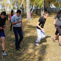 Осенний кросс- старшие классы, без телефонов никуда!:) :: Алёна Родионова