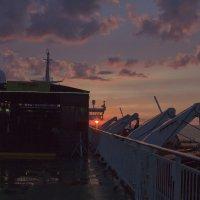 Закат в Финском заливе :: Александр Рябчиков