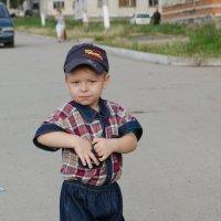 Гуляющий мальчуган :: Николай Сапегин