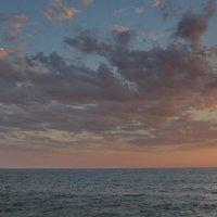 А по морю плыл маленький кораблик :: Виолетта