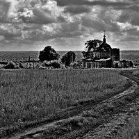 Старая церковь :: Ольга Синегубова