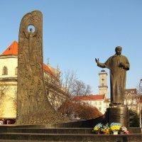Памятник Тарасу Шевченко :: super-krokus.tur ( Наталья )