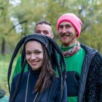 Медуза гаргона :) На прогулке со свитой :: Владимир Гончаров
