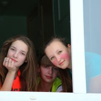 Три девицы..... :: Николай Елисеев