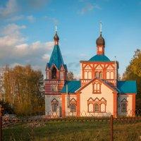 Храм в селе Рождественно (Калужская область) :: Алексей Кошелев