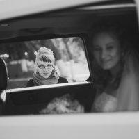 невеста и её подруга :: Дмитрий Часовитин