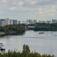 Вид на Москву-реку :: Владимир Лисаев