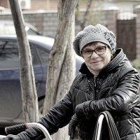 Всю жизнь юная соседка Валя ! :: A. SMIRNOV