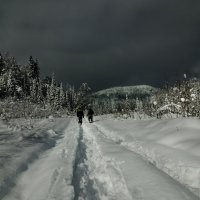Уходя в горы... :: Сергей Корзенников