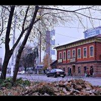 Осень пришла и в Серпухов... :: Александр Иванов