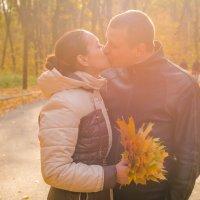 Осенний поцелуй... :: Сергей Офицер