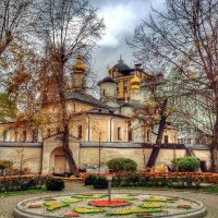 Осенний скверик в Колымажном переулке :: Ирина Бирюкова