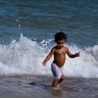бегущая по волнам :: Константин Бабкин