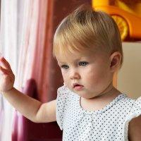 детский портрет, в домашней обстановке, свет из окна :: Sofia Rakitskaia