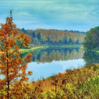 Осенние берега реки Руза :: Андрей Куприянов