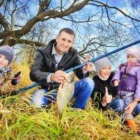 вся семья на рыбалке) :: Ирина