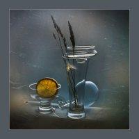 Натюрморт с осой :: Лариса Шамбраева