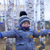 Тагир сын каждый раз бросая листья закрывал глаза :: Ильназ Фархутдинов