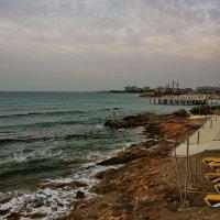 Облачное утро на Средиземном море :: Татьяна Копосова