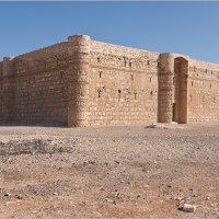 Иордания. Каср-аль-Харрана . Один из древних дворцов пустыни. :: Lmark
