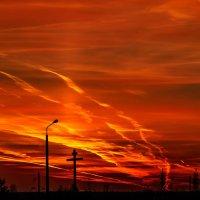 Огненный закат над Шумилином. 01. :: Анатолий Клепешнёв