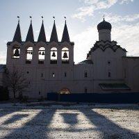 Колокольня Тихвинского мужского монастыря. :: Лазарева Оксана