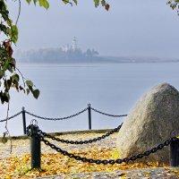 Памятный камень :: Валерий Талашов