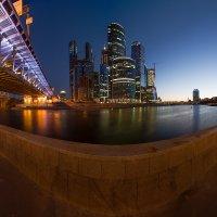 Улыбка ночного города. :: Роман Полианчик