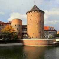 Крепостные башни :: Сергей Карачин