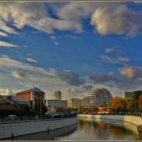 небо над Яузой :: Дмитрий Анцыферов