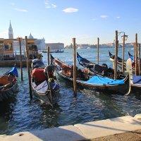 Венеция. Неспешное начало рабочего дня... :: Леонид Нестерюк